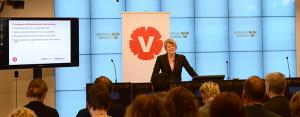 Ulla Andersson, Vänsterpartiets ekonomiskpolitiska talesperson presenterade de reformer Vänsterpartiet drivit igenom i budgeten.